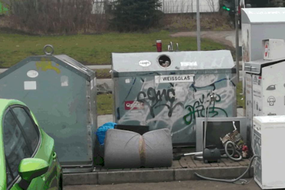 Die Containerburg in der Ulbrichtstraße wird zum Eldorado für Sammler von Elektroschrott.