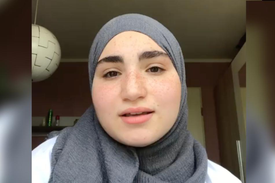 Das Mädchen wurde wegen ihre Kopftuches diskriminiert.