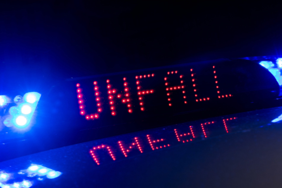 Bei einem Unfall auf der A94 sind fünf Menschen verletzt worden. (Symbolbild)