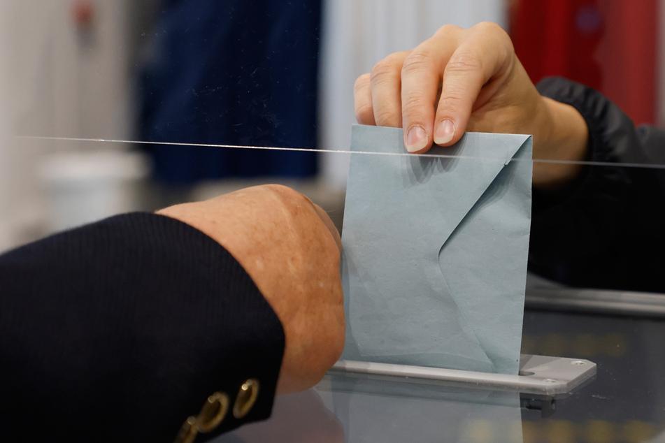 Bei der kommenden Bundestagswahl wollen insgesamt 29 Parteien in Bayern auf dem Wahlzettel landen. (Symbolbild)