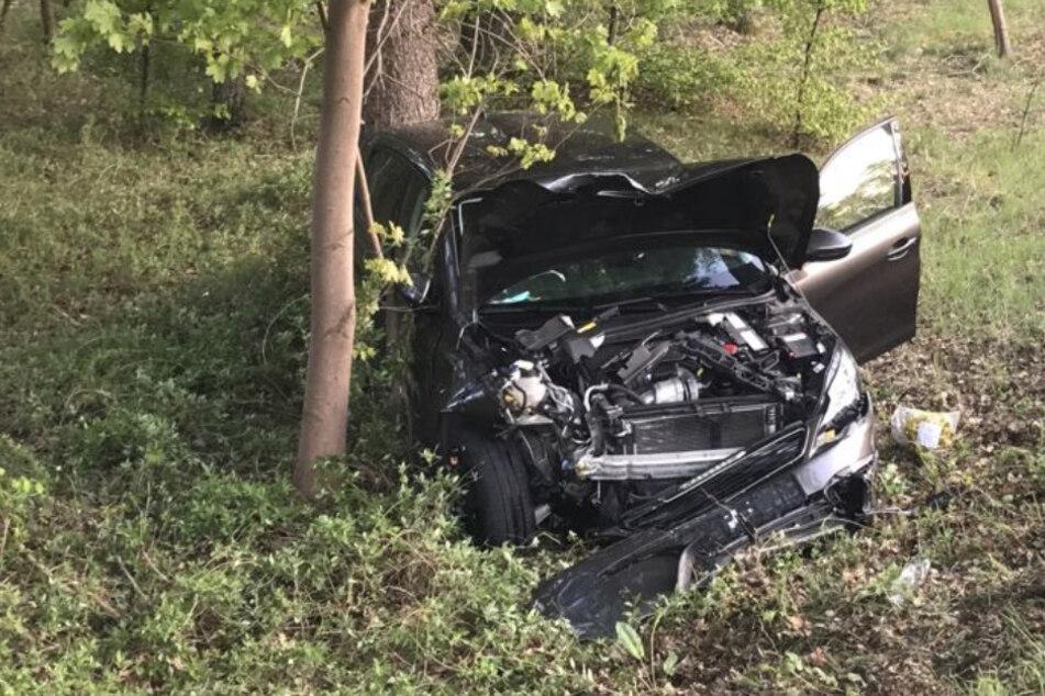 Überholmanöver missglückt: Schwerer Unfall auf der Bundesstraße
