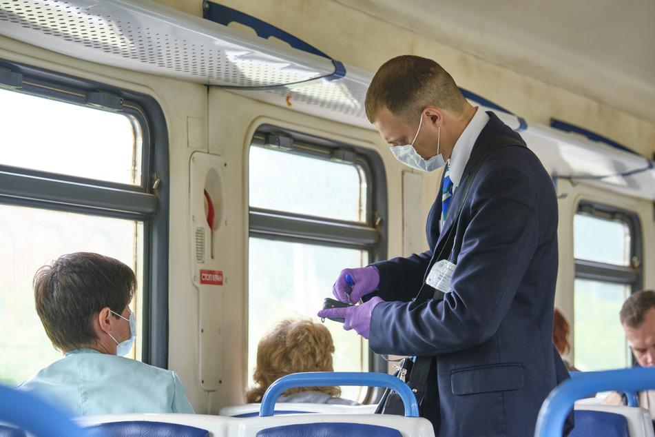 Mann will Notbremse im Zug ziehen, weil er Mundschutz tragen soll