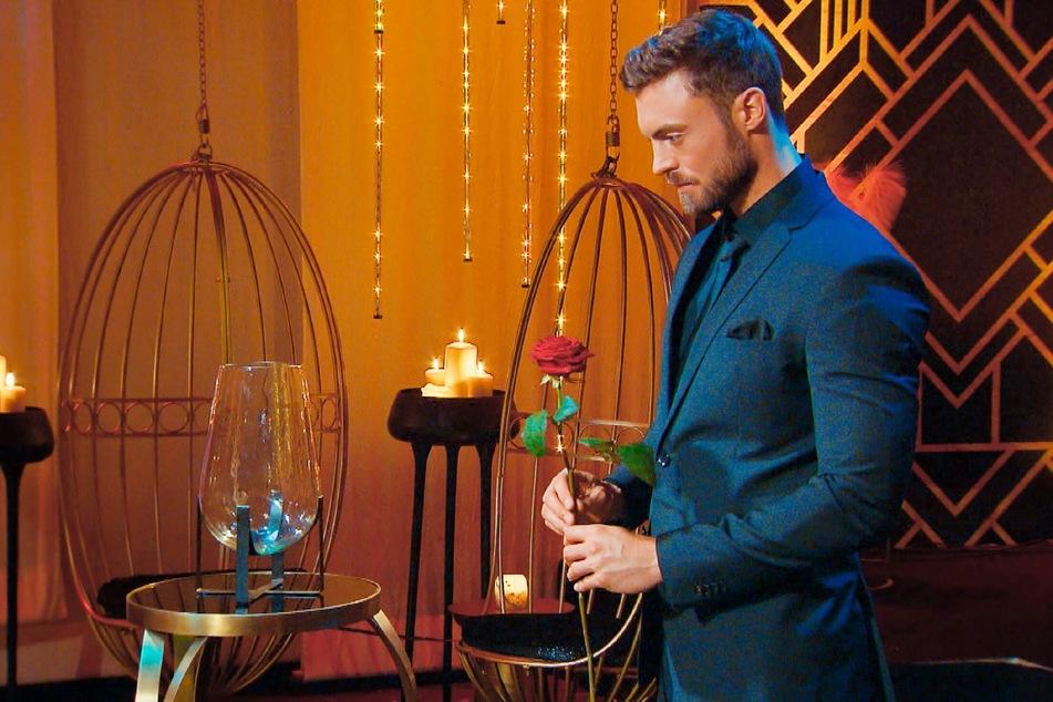 Niko Griesert (30) verteilt in diesem Jahr die Rosen bei RTL.