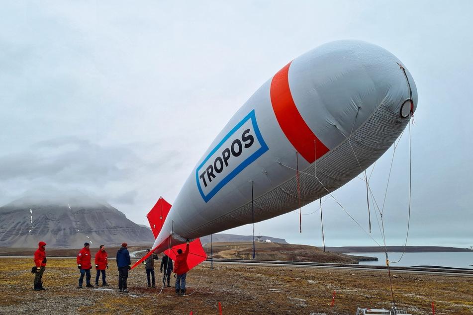 Leipzig: Warum schmilzt der Nordpol? Leipziger Wolkenforscher mit Messballon auf Arktis-Mission