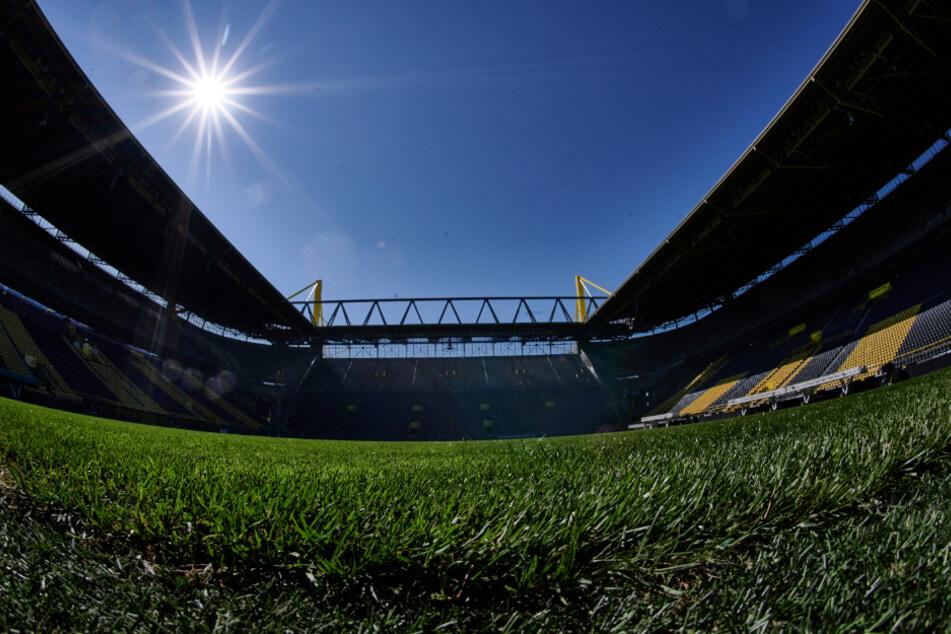 Rollt der Fußball in leeren Stadien bald wieder?