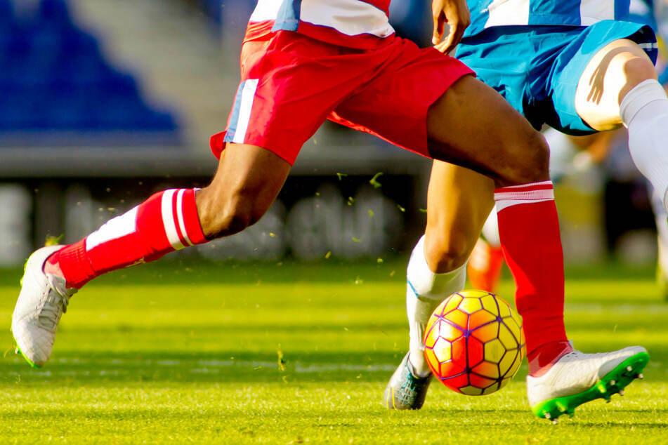 Der Bayerische Fußball-Verband (BFV) kritisiert die Corona-Notbremse. (Symbolbild)