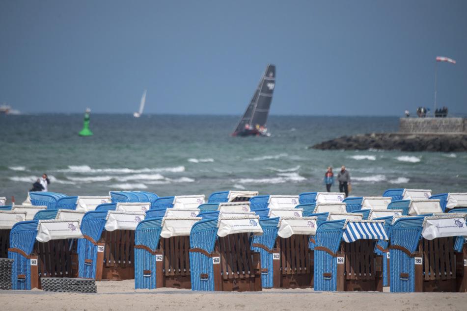 Sehnsuchtsort Ostsee-Strand: ab Freitag wieder für alle Urlauber aus Deutschland erreichbar.