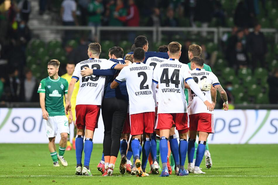 Der HSV gewann das erste Nordderby der Zweitligageschichte.