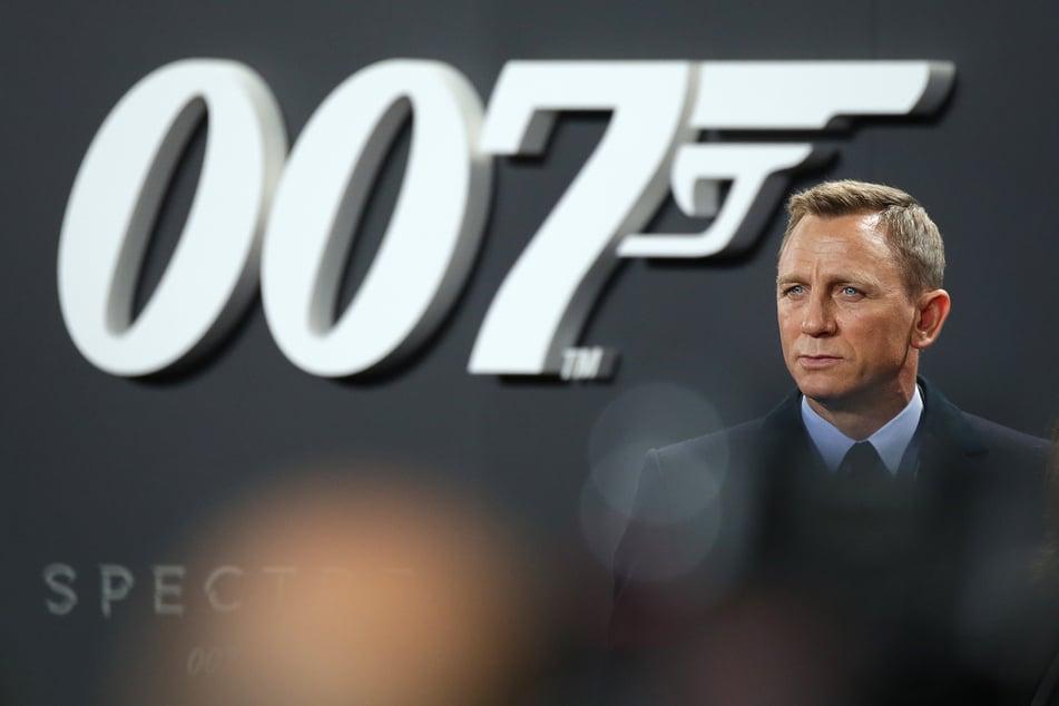 """James-Bond-Schauspieler Daniel Craig bei einer Deutschlandpremiere des Films """"Spectre"""". (Foto: Jörg Carstensen/dpa)"""