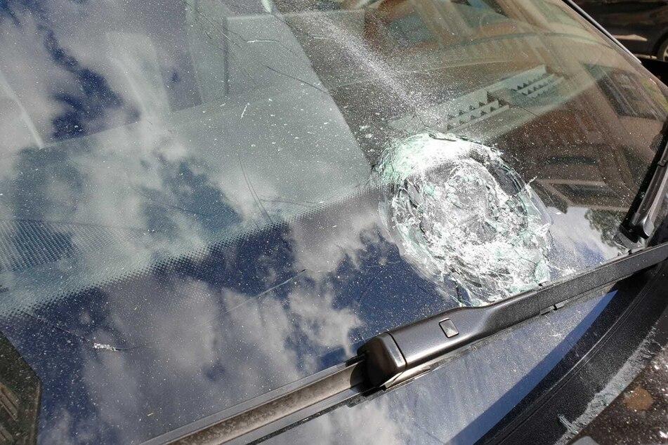 Unbekannte randalieren in Leipziger Osten: Zahlreiche Autos beschädigt