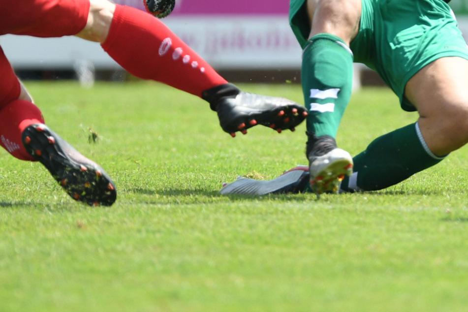 19 Kicker des Oberligisten FC 08 Villingen nach Corona-Fall in Quarantäne. (Symbolbild)