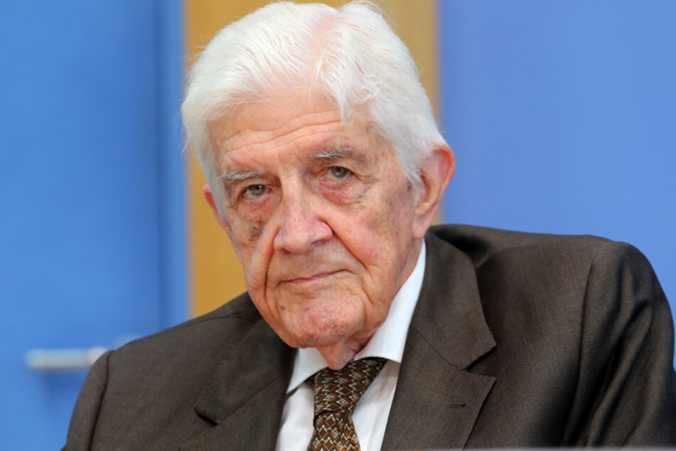 Der FDP-Politiker und frühere nordrhein-westfälische Innenminister ist tot. Er sei am Mittwoch (11.03.2020) im Alter von 89 Jahren gestorben, teilte das NRW-Innenministerium mit.