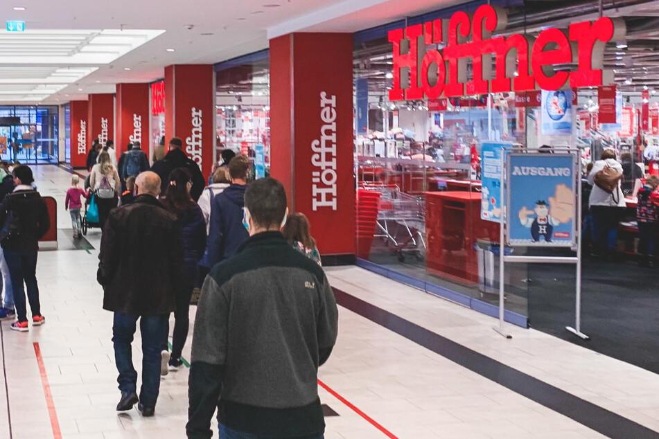 Deutschland im Lockdown, doch hier werden weiter Möbel verkauft
