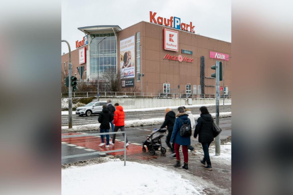 Das Einkaufszentrum an der Dohnaer Straße 246.