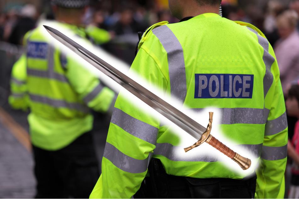 Mit Schwertern kämpfen heutzutage nicht mehr viele. In England kommt sowas aber offenbar auch 2021 noch vor. (Symbolbild)