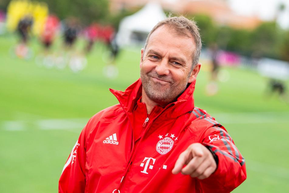 Die Mission Triple läuft: Trainer Hansi Flick (55) vom FC Bayern München im Trainingslager vor dem Finalturnier in Lissabon.