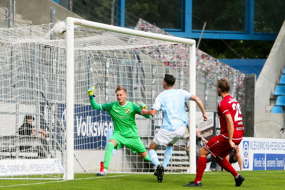 Ein Tor für den CFC blieb Lukas Knechtel (26, M.) verwehrt! Zwar traf er am 29. August 2020 gegen den VfB Germania Halberstadt, der Treffer zählte wegen Abseits jedoch nicht.