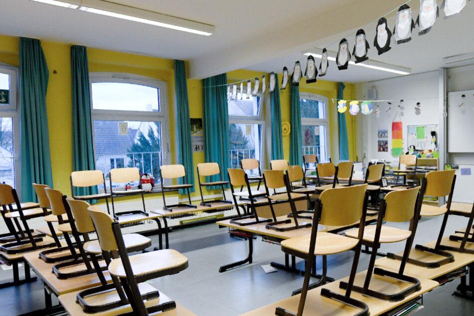 Schüler dürfen wieder ins Klassenzimmer, aber nur unter einer Bedingung