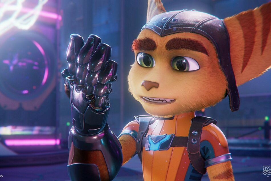 Held Ratchet muss sich zu Beginn des Spiels im neuen Universum ohne seine Kumpanen umsehen. Grafisch ist der Titel eine Bombe!