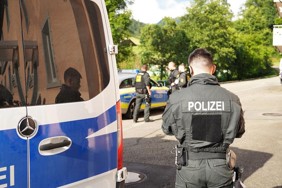 Die Polizei sucht nun nach den Tätern. (Symbolbild)