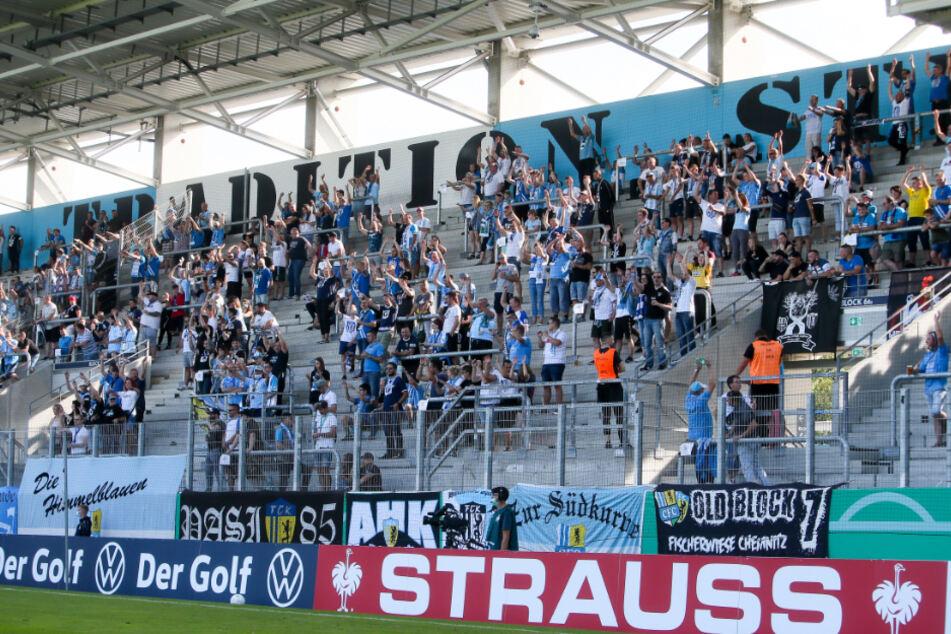 Hier waren Fans im Stadion An der Gellertstraße noch erlaubt: Der CFC in der ersten Runde des DFB Pokal gegen TSG 1899 Hoffenheim. (Archivbild)