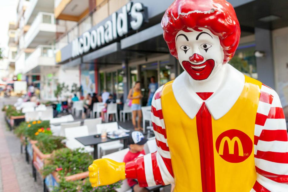 Gruseliger Fund: Zerstückelte und eingetütete Leiche auf McDonald's-Dach entdeckt