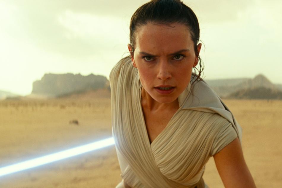 """Rey (Daisy Ridley) ist die entscheidende Person in """"Der Aufstieg Skywalkers""""."""
