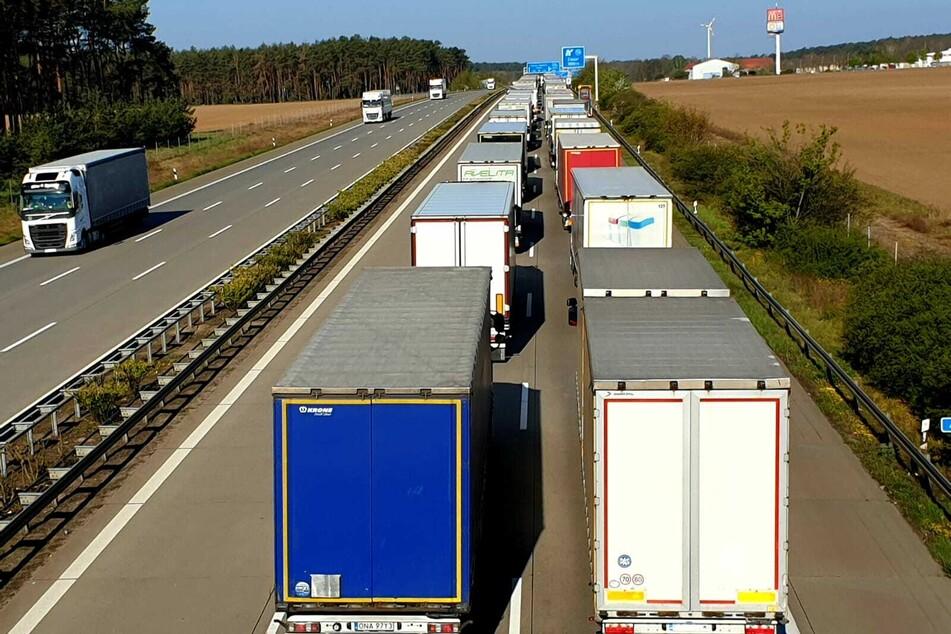 Die Autobahn sollte in Fahrtrichtung Hannover bis in den Vormittag gesperrt bleiben.