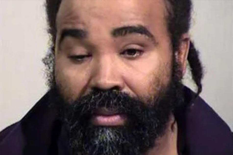 Ex-Pfleger Nathan Sutherland (37) bekannte sich schuldig, sein Opfer mehrfach vergewaltigt zu haben.