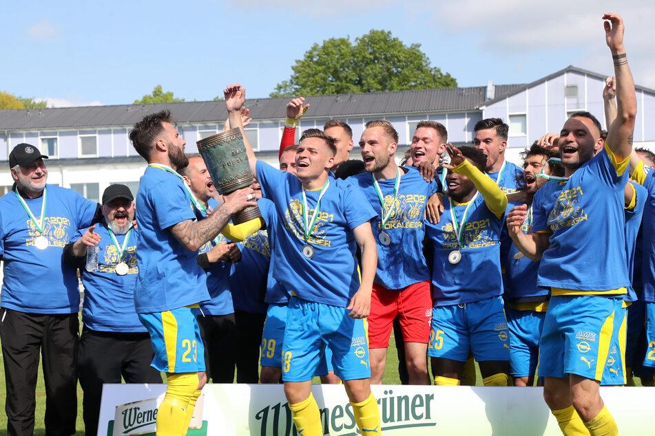 Nach dem Pokalsieg gegen den CFC hatte Lok Leipzig Grund zu Feiern.
