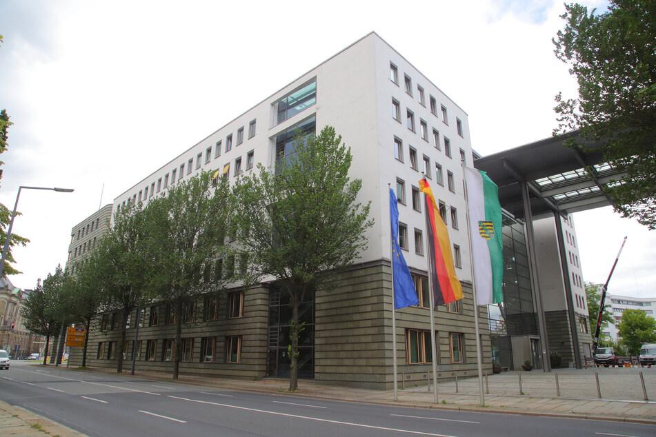 Im Wirtschaftsministerium fiel die Personalabteilung auf den Hochstapler rein.