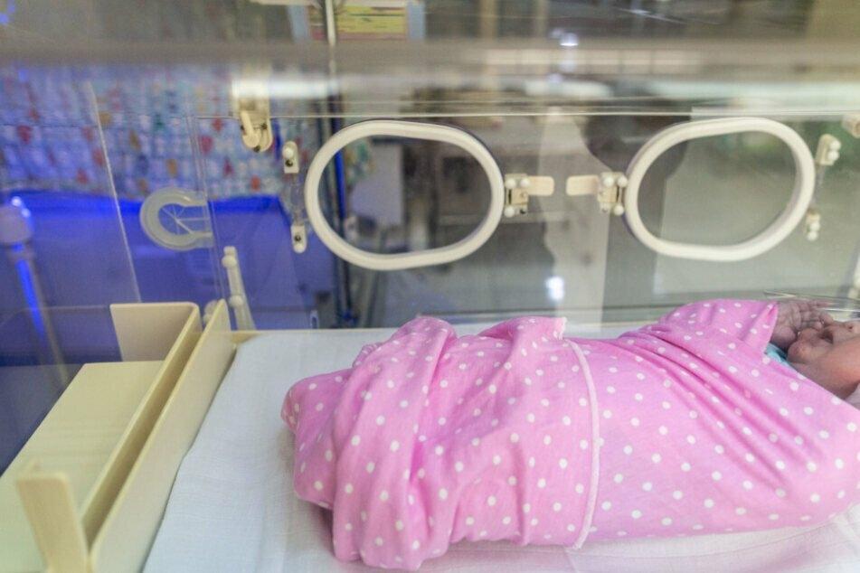 Tragen Neugeborene etwa bereits Corona-Antikörper in sich, wenn sich ihre Mutter während der Schwangerschaft infiziert hat? (Symbolfoto)