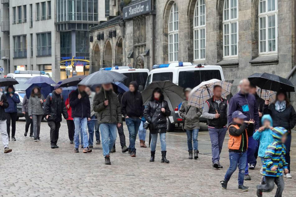 In Chemnitz nahmen etwa 100 Personen an dem Spaziergang teil.
