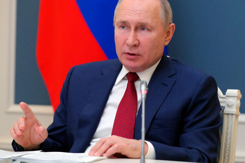 Wladimir Putin spricht während einer Videokonferenz bei der Davos Agenda zu den Teilnehmern des Weltwirtschaftsforums.