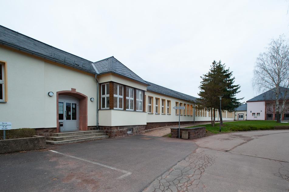 Anfang Juli steht ein Ex-Mitarbeiter der Kfz-Zulassungsbehörde Mittweida wegen Bestechlichkeit vor dem Amtsgericht Döbeln.