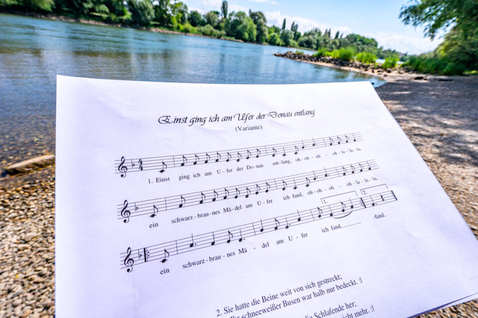 Sexistisches Lied soll in Bierzelten verboten werden: Donaulied wird Fall für den Landtag