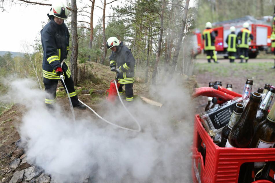 Nach illegaler Party im Wald: Feuerwehr muss anrücken