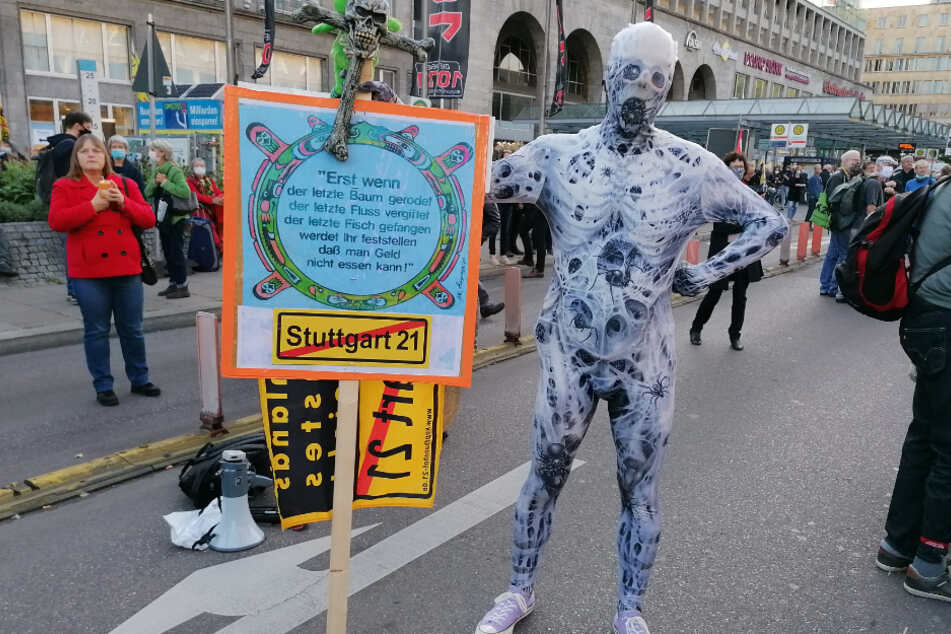 Kreativer Protest einer der S21-Gegner.