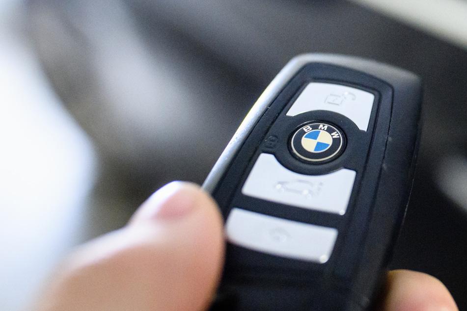 Der Schlüssel für die Zukunft: BMW will den CO2-Fußabdruck der Autos weiter reduzieren und setzt auf Recycling. (Symbolbild)