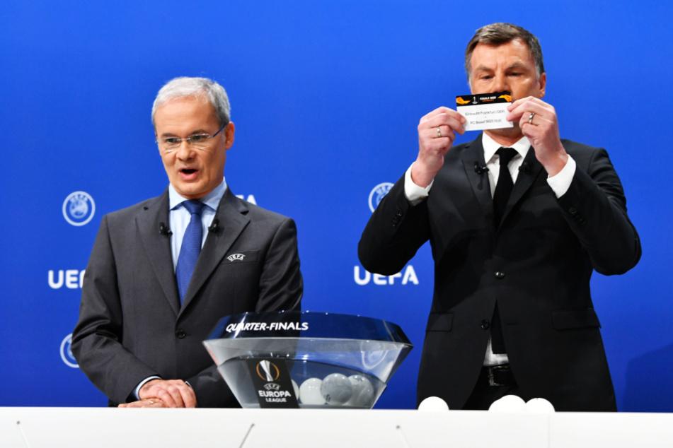 UEFA-Wettbewerbsdirektor Giorgio Marchetti (l.) rang nach der Anekdote von Thomas Helmer um Fassung. (Symbolbild)