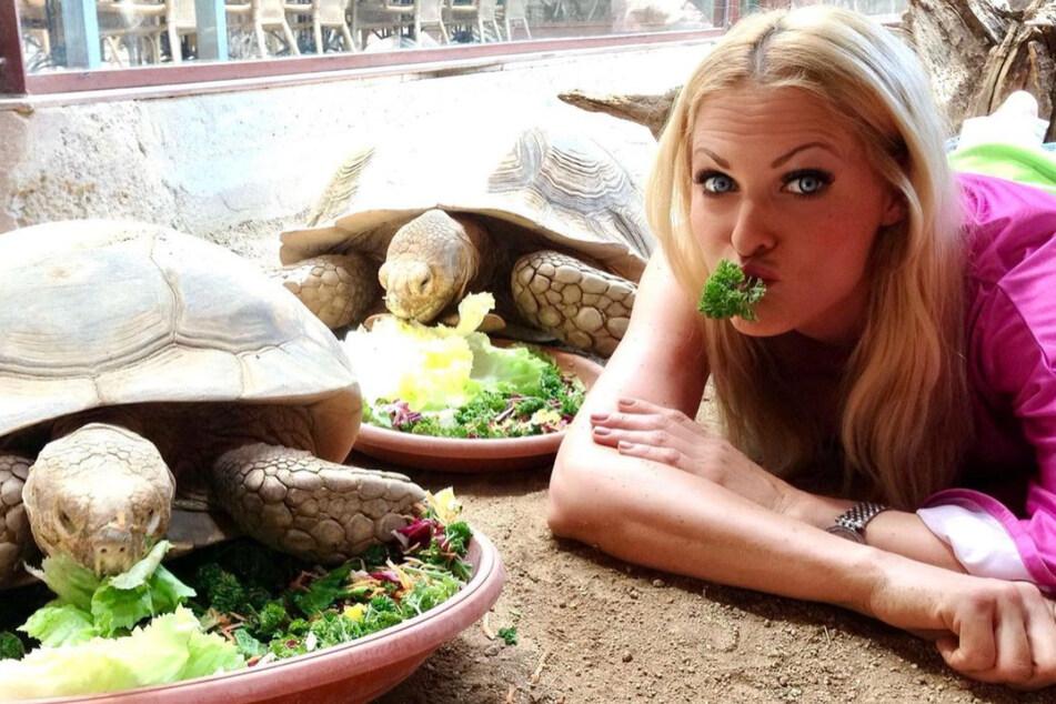 """Kampf der """"Corona-Plauze"""": So will Sonya Kraus wieder in Bikiniform kommen"""
