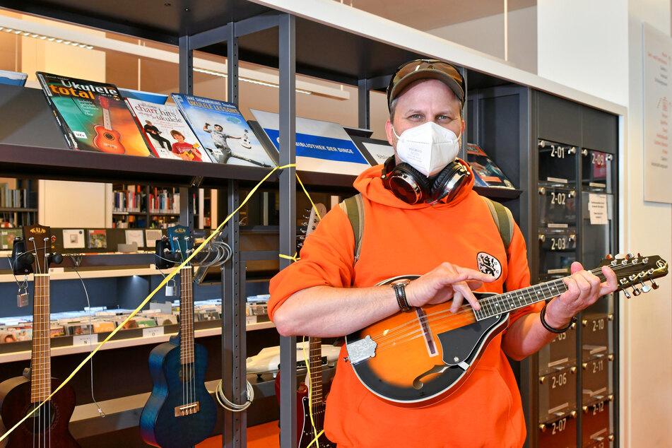 """Dresden: """"Bibliothek der Dinge"""": Dresdens Bibo verleiht jetzt auch Musikinstrumente!"""