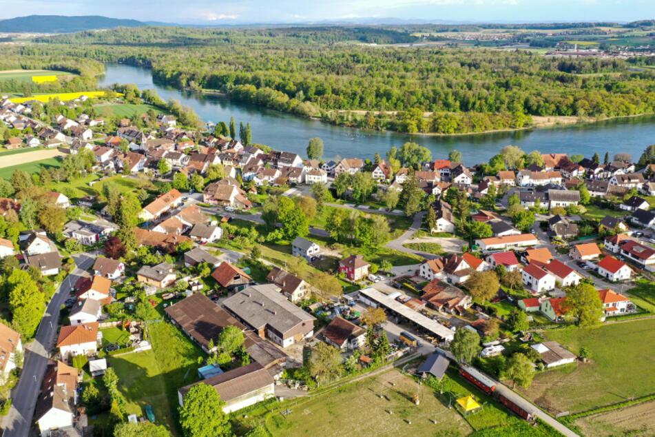 Die 1500-Seelen-Gemeinde Büsingen aus der Luft.