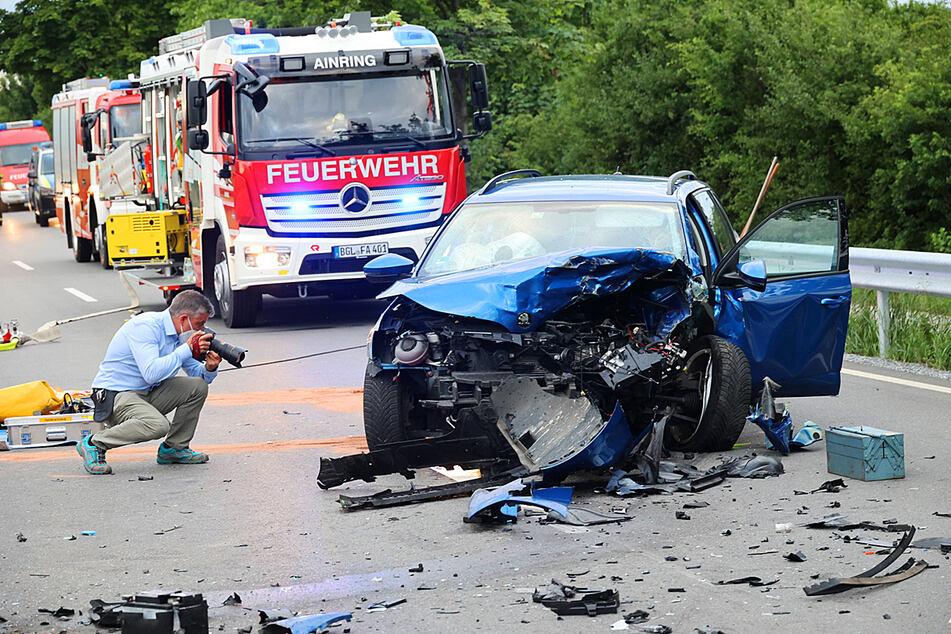 Frontal-Crash auf B20: Person stirbt bei Unfall mit Gegenverkehr