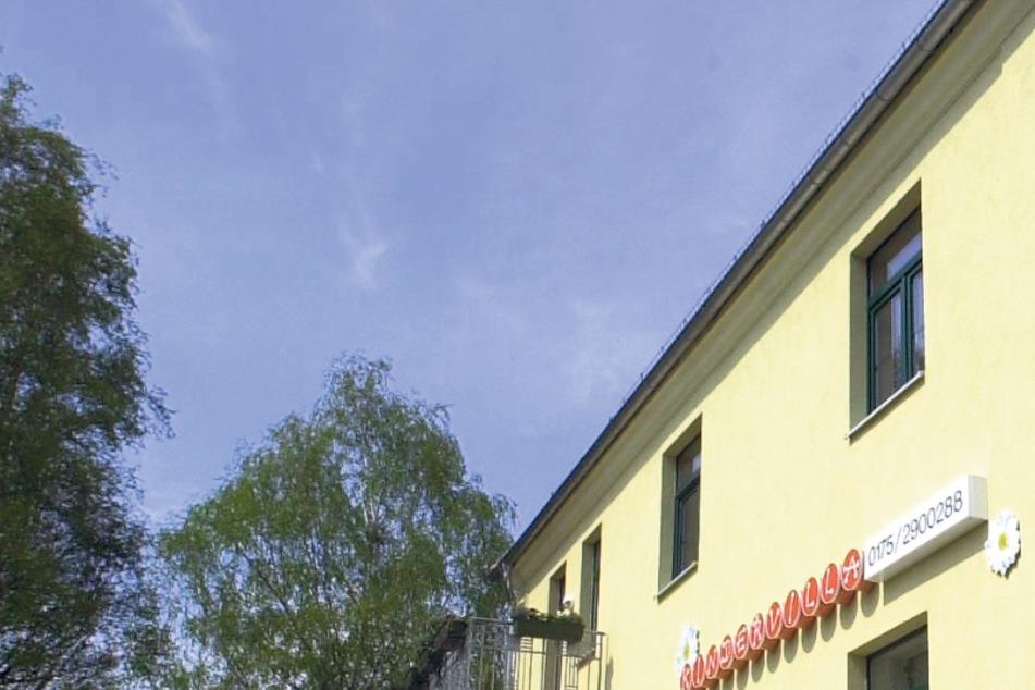 """Die """"Kindervilla"""" an der Basteistraße im Jahr 2001."""