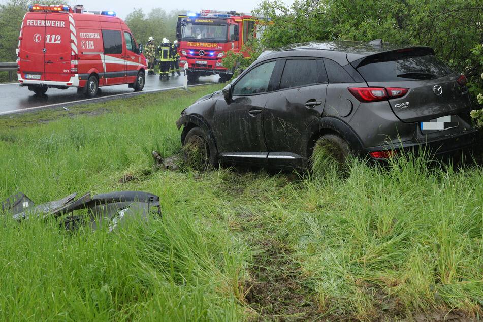 Gegen 12 Uhr kam der Mazda aus bisher unerklärter Ursache von der Straße ab.