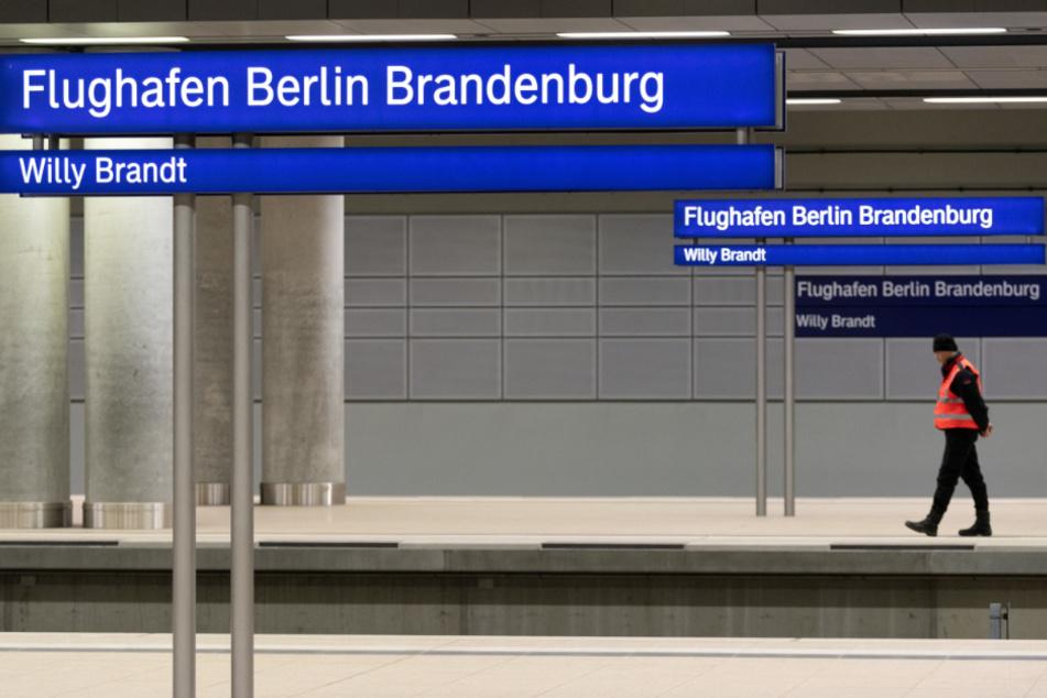 Der Bahnhof des Flughafens Berlin-Brandenburg wurde 2011 fertig. Der mehr als sieben Milliarden Euro teure Flughafen soll Ende Oktober 2020 eröffnet werden.