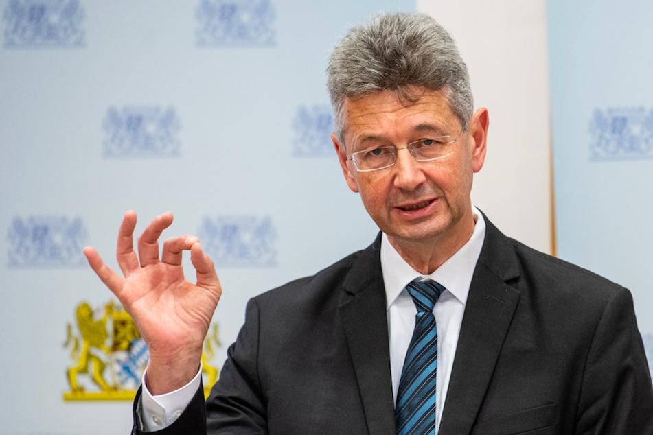 Schwere Vorwürfe: FDP fordert Rücktritt von Bayerns Kultusminister Piazolo