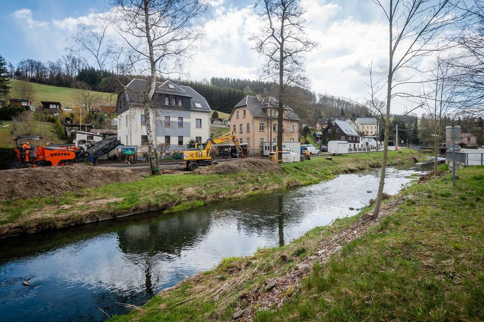 Sperrungen wegen Baumfällungen: Bau am Hochwasserschutz geht weiter