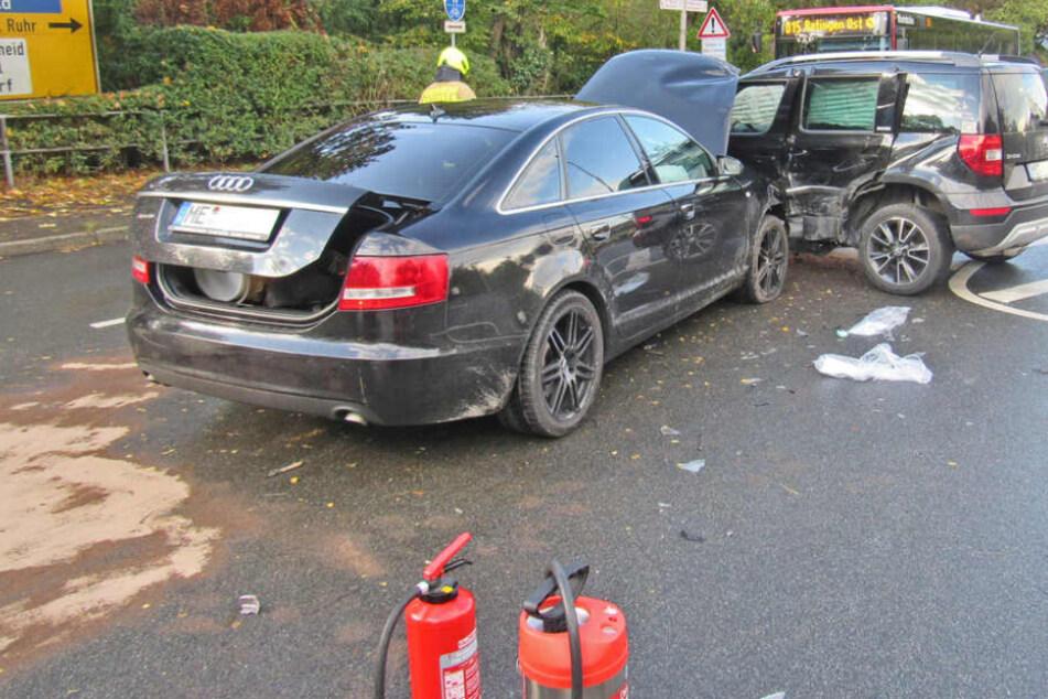 Mit voller Wucht: Audi-A6-Fahrer verliert Kontrolle und kracht in Skoda